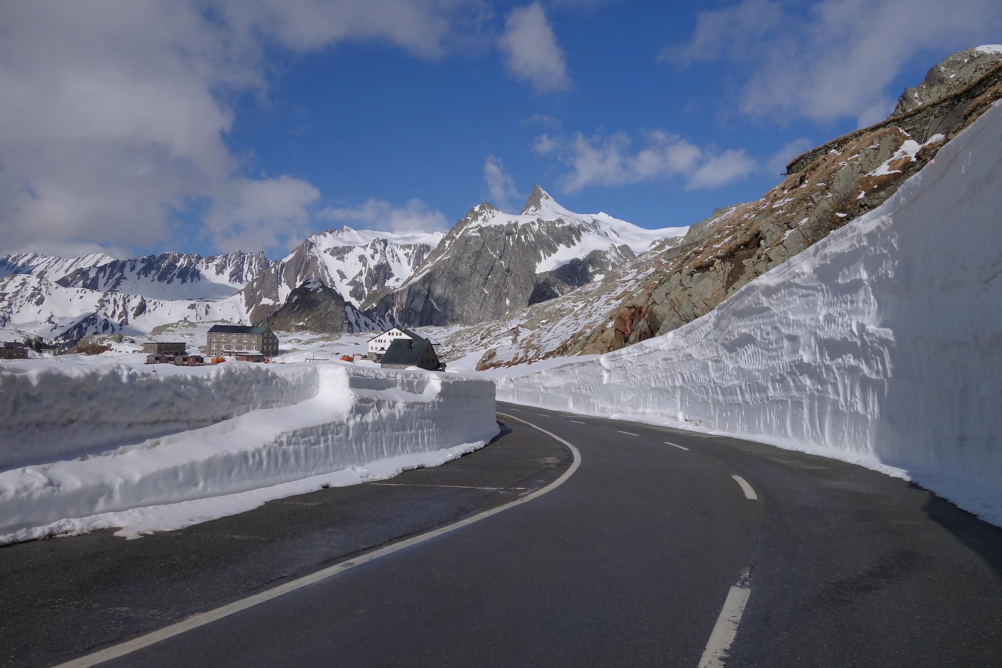 Historic Tour – Des Dolomites à la Provence – La légendaire route des grands cols alpins